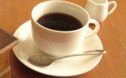 カップに注がれたホットコーヒー