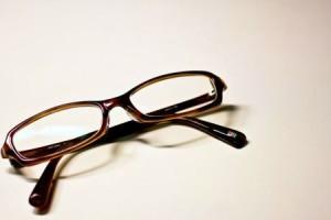 ブルーライトをカットするPCメガネの効果や違いをまとめてみた